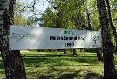 Tisková zpráva MZe: Ministr Ivan Fuksa oslavil 250. výročí výuky veterinární medicíny anový Lesnický park Křtiny