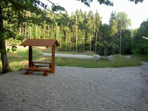 lesní altán – Retenční nádrž Dukovany