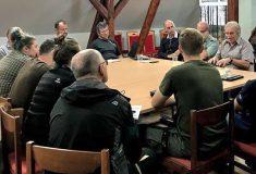 Lesníci ze státního podniku se vydávají do regionů  informovat starosty a veřejnost o aktuálním vývoji kůrovcové kalamity